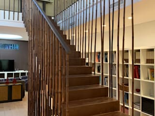 Gomez-Ferrer arquitectos Stairs آئرن / اسٹیل Brown