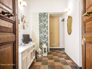 Flavia Case Felici Pasillos, vestíbulos y escaleras de estilo ecléctico