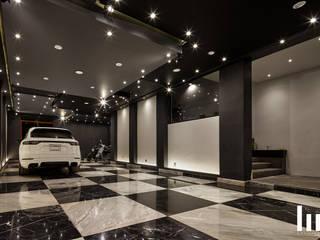 House H HC Arquitecto Garajes modernos Negro