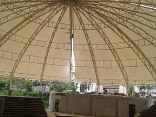 Fortuna Jaya Kreasi Centros de exposiciones de estilo tropical Hierro/Acero Blanco