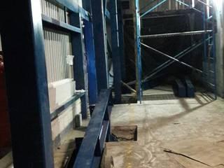 ConstruTech & Technology BIM Ruang Studi/Kantor Gaya Industrial Besi/Baja Blue