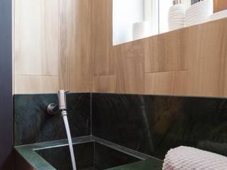 Maciel e Maira Arquitetos 現代浴室設計點子、靈感&圖片 Green