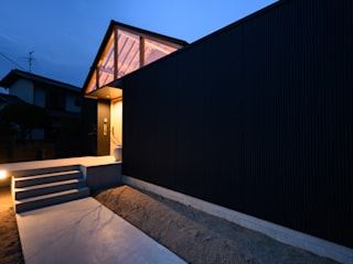 風景のある家.LLC Asian style houses Iron/Steel Black
