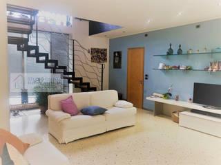 Agenzia Studio Quinto Modern living room