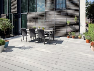 Wohnterrassen in Hamburg - Terrassendielen Cedral Deutschland Moderner Balkon, Veranda & Terrasse Grau