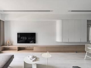 蘊。質淬 文儀室內裝修設計有限公司 现代客厅設計點子、靈感 & 圖片 木頭 White