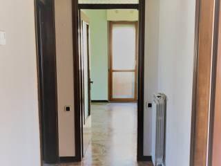 Agenzia Studio Quinto Classic corridor, hallway & stairs