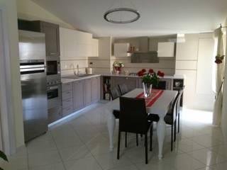 Seven Project Studio Built-in kitchens Solid Wood Beige