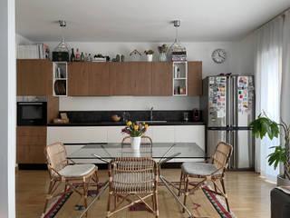 BUM Interiors CocinaMesas, sillas y bancos