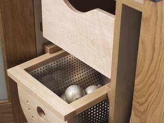A Case for Baskets by Mowlem & Co Mowlem&Co 系統廚具