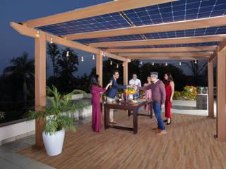 HomeScape by Amplus Solar Балкон и терраса в стиле модерн ДПК Эффект древесины
