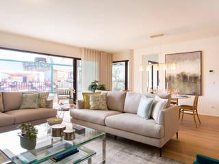 Marta Maria Pereira, Unipessoas, LDA Living roomSofas & armchairs Wood effect