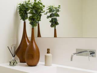 Marta Maria Pereira, Unipessoas, LDA BathroomFittings Wood effect