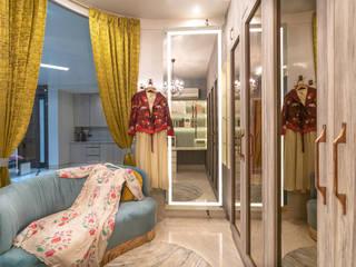 Lakkad Works Vestidores y placares de estilo moderno