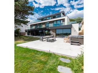Bespoke Residence on the South Coast David James Architects & Partners Ltd Maisons modernes