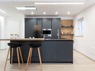 zero6studio - Studio Associato di Architettura Modern kitchen Black