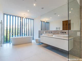 Oseleta, Luscombe, Luscombe Valley, Poole, Dorset David James Architects & Partners Ltd Modern style bathrooms