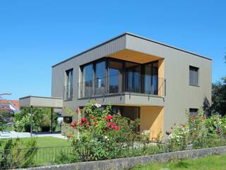 schroetter-lenzi Architekten Casas pequeñas Aluminio/Cinc Metálico/Plateado