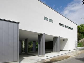 空間建築-傳 Eclectic style houses White