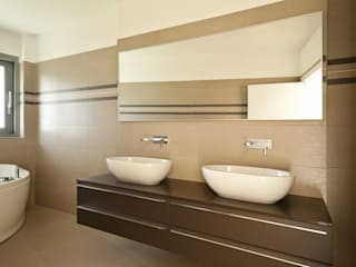 press profile homify Modern style bathrooms