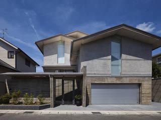 蓑甲(みのこう)の家 ATS造家設計事務所 一戸建て住宅 コンクリート 灰色