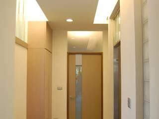 太平 透天住宅 大也設計工程有限公司 Dal DesignGroup 現代風玄關、走廊與階梯
