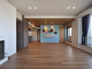多彩な素材と海と調和するカラーコーディネーション 株式会社井蛙コレクションズ オリジナルデザインの リビング