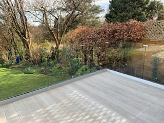Frameless Glass Balustrade in Croydon Origin Architectural 前院 玻璃 Transparent
