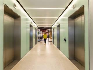 Granitrans Koridor & Tangga Modern Kaca White