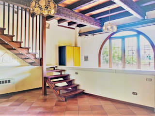 Agenzia Studio Quinto Colonial style corridor, hallway& stairs