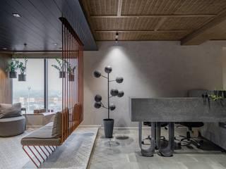 DESIGNER'S CIRCLE Koridor & Tangga Modern Beton Grey