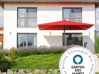 """Award """"Gärten des Jahres 2021""""! Uhlmann Sonnenschirme e.K. GartenAccessoires und Dekoration Textil Rot"""
