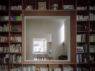 藤原・室 建築設計事務所 Modern study/office Wood effect