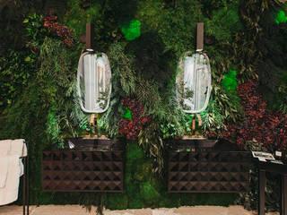 Jardines verticales preservados en baños GREENAREA Paisajismo de interiores