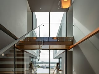 Stairs Pascal Millasseau Construction Modern Corridor, Hallway and Staircase