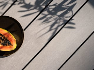 Moderne Dachterrasse mit Premium WPC Terrassendielen glatt in grau MYDECK GmbH Balkon Holz-Kunststoff-Verbund Grau