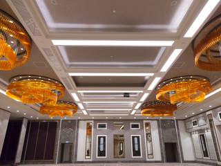 SAN DECO Pareti & Pavimenti in stile moderno