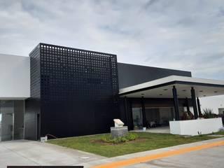 ALUCO SOLUCIONES Paredes y pisos de estilo moderno Aluminio/Cinc Negro