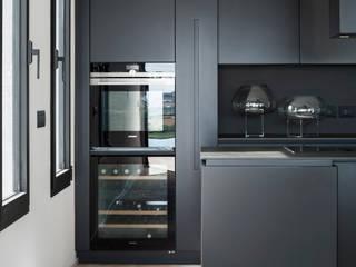 TM Italia Built-in kitchens Black