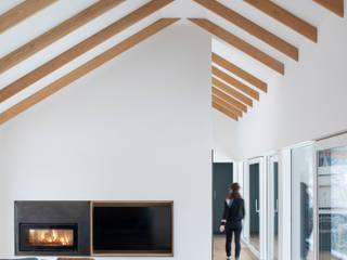 Lower Tullochgrue Brown & Brown Architects Salones de estilo moderno