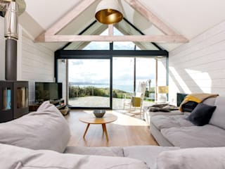 Low Energy Home in an area of outstanding natural beauty in Cornwall. Arco2 Architecture Ltd Modern living room