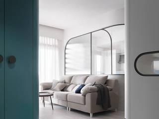 U museum 知域設計 斯堪的納維亞風格的走廊,走廊和樓梯 OSB Blue