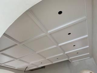 Falegnameria su misura Koridor, Hol & MerdivenlerAksesuarlar & Dekorasyon Ahşap Beyaz
