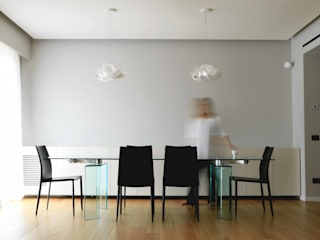 gk architetti (Carlo Andrea Gorelli+Keiko Kondo) Ruang Makan Minimalis