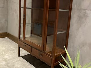 vitrina de madera illytorres Dressing roomAccessories & decoration Wood Brown