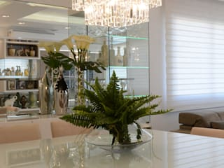 Graça Brenner Arquitetura e Interiores ห้องทานข้าว แผ่น MDF White