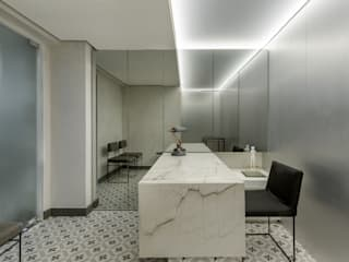 SAINZ arquitetura Clinics Tiles White