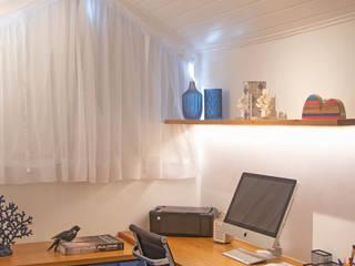 Sótão Multiuso Debiaze Arquitetura Escritórios modernos