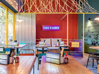 Tuk Tuk Ride - Thai & Vibes Caleidoscopio Architettura Gastronomia in stile asiatico Ferro / Acciaio Giallo