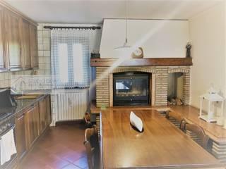 Agenzia Studio Quinto Colonial style kitchen